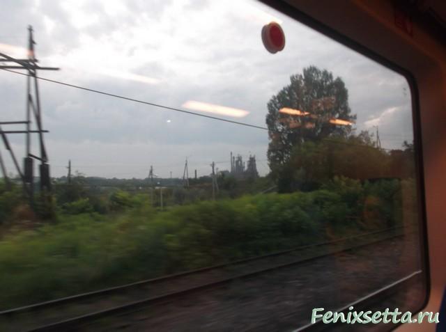 Окно в поезде Ласточка